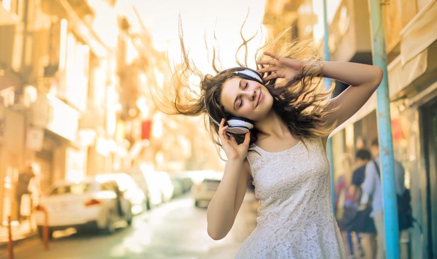 Ang In Radio - 320mila euro per digital radio locali giovanili