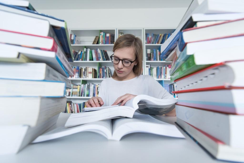 Borsa di studio per scrittori interessati al tema del femminismo!